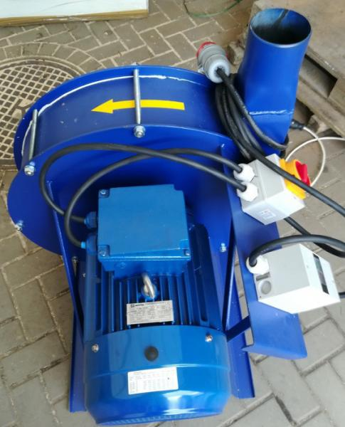 Зернодробилка молотковая дробилка ДКУ подрібнювач зерна 15 кВт зелений Osuch