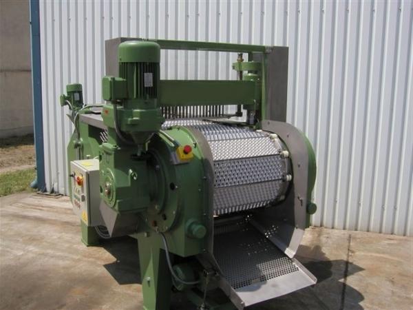 Машина для удаления косточек из вишни, сливы, абрикоса 1000 – 2000 кг/час