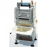 Машина для производства макаронных изделий типа фарфалле (бабочки)