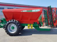 Разбрасыватель удобрений и извести прицепной Agro-Masz Rewo 8200