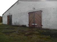 Свиноферма, два здания, можно использовать под склад