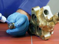 Резьбовой фиксатор для двигателей внутреннего сгорания.